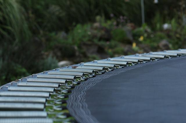 pružiny na trampolíně.jpg