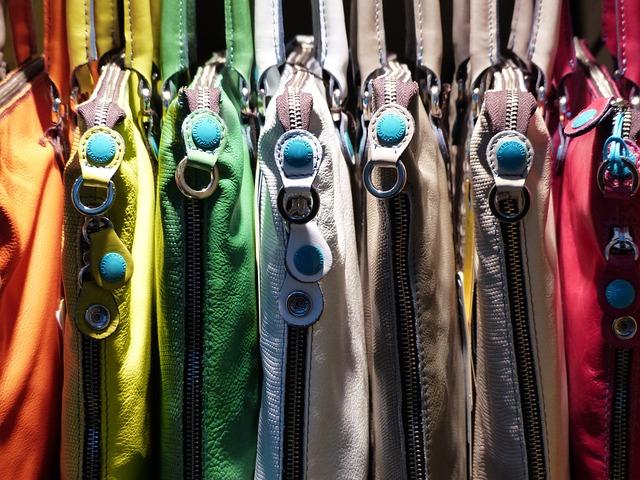 barevné kabelky.jpg